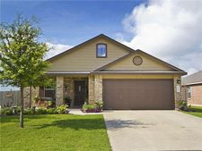 224 Mossy Rock Dr, Hutto, TX 78634