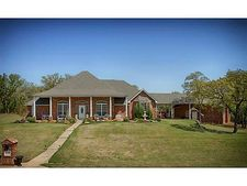 1301 Fox Run Ln, Blanchard, OK 73010