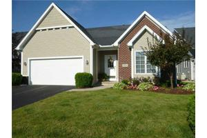 3208 Rivers Edge Dr, Perrysburg, OH 43551