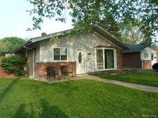 4601 Pardee Ave, Dearborn Heights, MI 48125