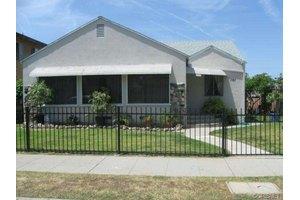 141 N 4th St, Montebello, CA 90640