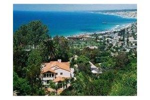 7585 Hillside Dr, La Jolla, CA 92037