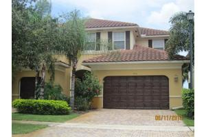 9933 Cobblestone Creek Dr, Boynton Beach, FL 33472