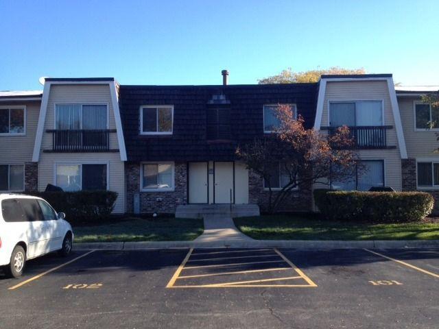2932 Roberts Dr Apt 1, Woodridge, IL