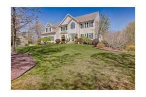 5 Blueberry Dr, Mendon, MA 01756