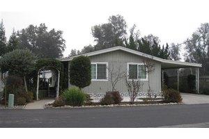 1300 W Olson Ave, Reedley, CA 93654