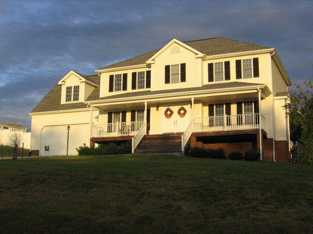 1504 4th Avenue Ext, Farmville, VA 23901