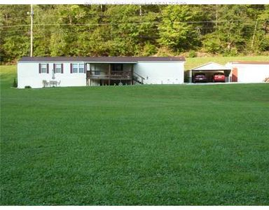14672 Charleston Rd, Kenna, WV