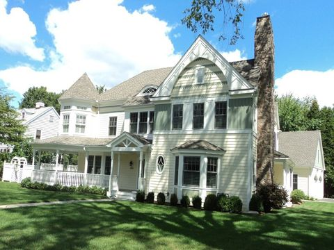 384 Sound Beach Ave, Old Greenwich, CT 06870