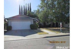 2101 Rochelle Ave, Turlock, CA 95382