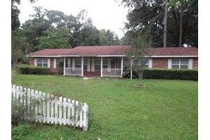 806 SW 4th Ave, Trenton, FL 32693