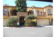 2960 Champion Way Apt 303, Tustin, CA 92782