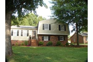 218 Heather Dr, Spartanburg, SC 29301
