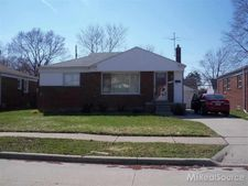 27307 Grant St, Saint Clair Shores, MI 48081
