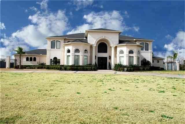 10 estates of montclaire beaumont tx 77706 for Q furniture beaumont texas