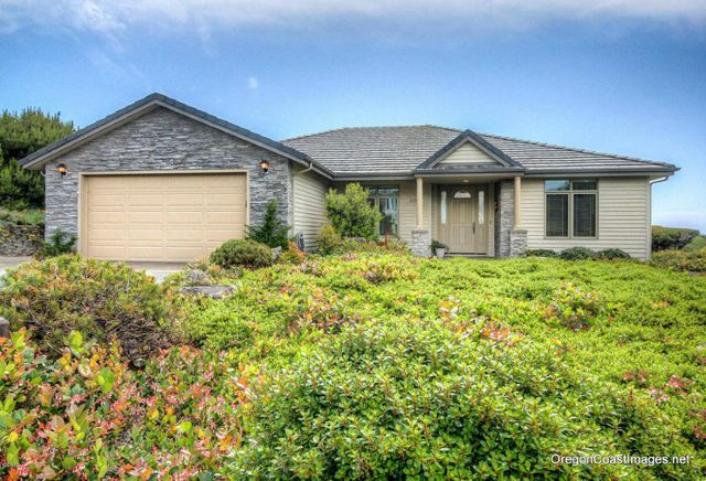 4271 nw hidden lake loop waldport or 97394