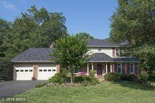 7216 Countrywood Ct, Springfield, VA 22151