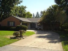2829 Russell Dr, Dayton, OH 45431