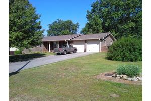 730 Grandview Dr, Lenoir City, TN 37772