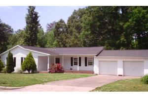 1280 Pearl Dr, CHERRYVILLE, NC 28021