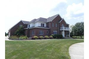 4995 E 105th Ave, Crown Point, IN 46307