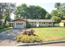 801 N Hawthorne Ct, Canby, OR 97013