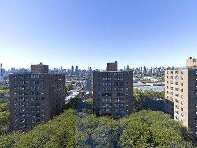 33-60 21st St Unit: 15D, Long Island City, NY