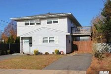17 Amsterdam Ave, West Babylon, NY 11704