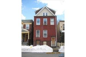 9 Wheeler St, Montclair, NJ 07042