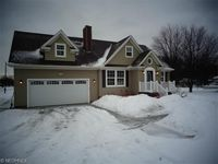 29205 White Rd, Willoughby Hills, OH 44092