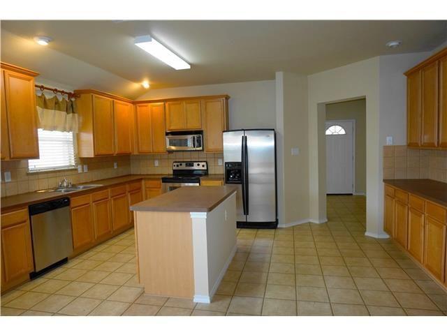 636 cancun st grand prairie tx 75051. Black Bedroom Furniture Sets. Home Design Ideas