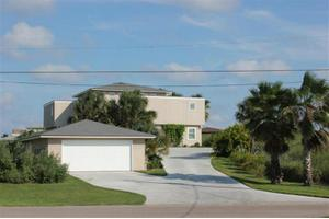 517 Twelfth St, Port Aransas, TX 78373