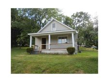 3556 Youngwood Dr, New Castle, PA 16101