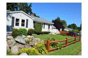 119 Russell St, Peabody, MA 01960