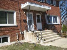 893 W North Ave Apt B, Villa Park, IL 60181
