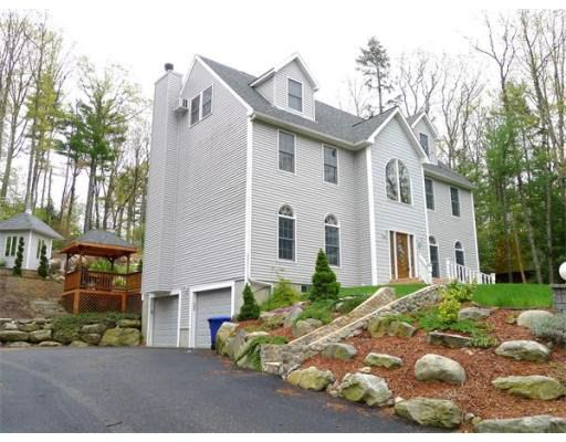 28 Lake Shore Dr, Leominster, MA