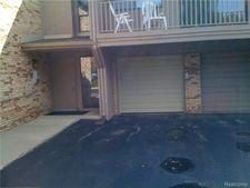 3885 Lone Pine Rd # 200, West Bloomfield Twp, MI 48323
