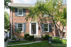 237 McKinley Ave, Grosse Pointe Farms, MI 48236