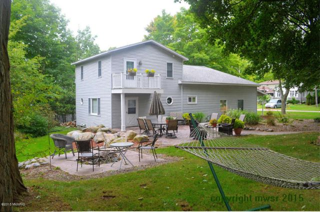 473 e 2nd st pentwater mi 49449 home for sale and real estate listing