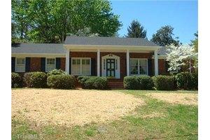 907 Moran Dr, Greensboro, NC 27410