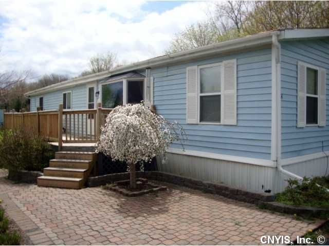 14 Woodside Ln Unit 14 Elbridge, NY 13166