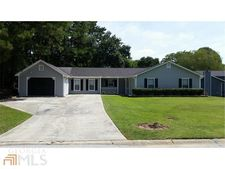 110 Summer Pond Trl, Lawrenceville, GA 30046