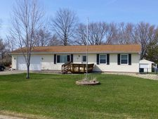12 Thompson Dr, Palo, IA 52324