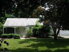 877 Plainville Ave, Farmington, CT 06032