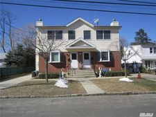 17A Nesaquake Ave, Port Washington, NY 11050