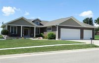 1001 Willow Dr, Grundy Center, IA 50638