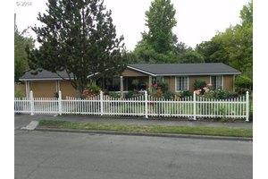 12913 SW 63rd Pl, Portland, OR 97219