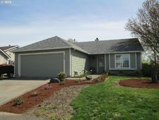 996 S 3Rd Ct, Cornelius, OR 97113