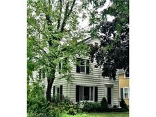 35 South St, Chagrin Falls, OH 44022