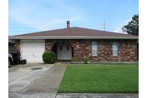3352 Castle Dr, Kenner, LA 70065